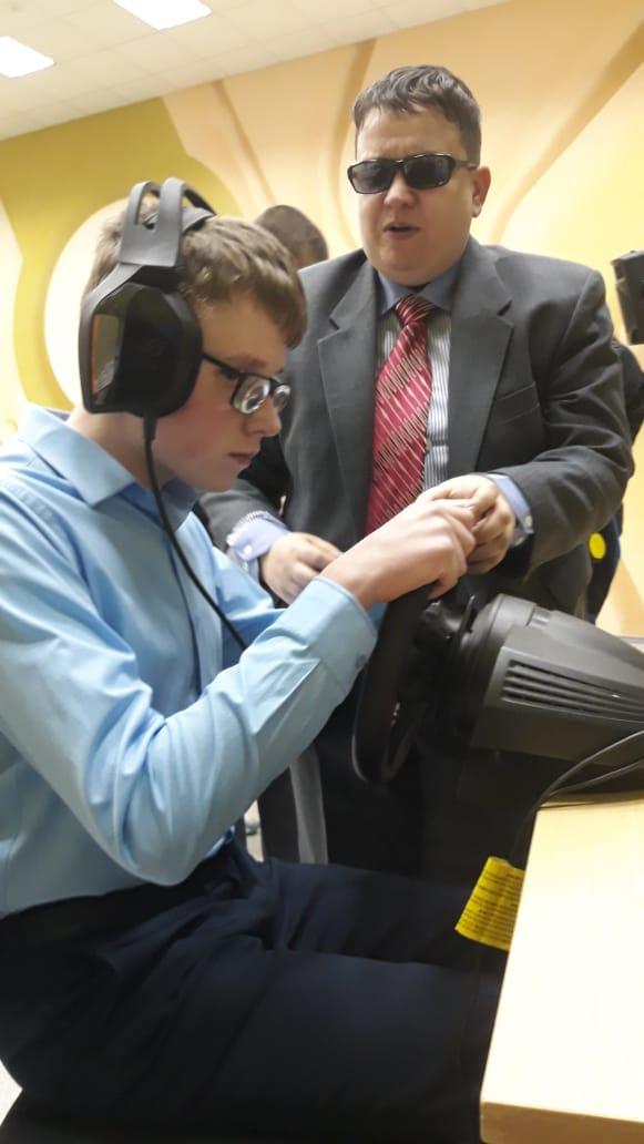 Команда Слепые гонки в гостях в Школе-интернат для слепых и слабовидящих детей города Королёв